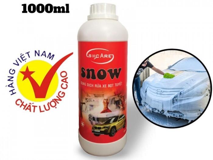 - Rửa toàn bộ thân xe bằng nước sạch trước, sau đó phun bọt tuyết trực tiếp lên xe , thực hiện các thao tác rửa xe.