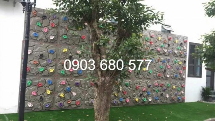 Mua tường leo núi vận động, vui chơi cho trẻ nhỏ0