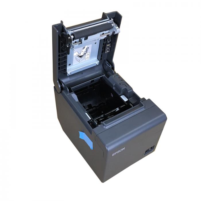 Máy in hóa đơn Epson TM-T82II đây là loại máy in dùng công nghệ in nhiệt, hỗ trợ in khổ giấy 80mm dành cho những quầy tính tiền bận rộn. Tính năng hữu ích của Epson TM-T82II chính là việc tích hợ cắt giấy Tự động, có thể báo cho chúng ta biết khi sắp hết hoặc hết giấy in, nhận biết khi nắp máy in bị mở. Cho phép in font tiếng Việt có dấu đẹp, với bộ Font được nạp từ trong ROM của máy.0