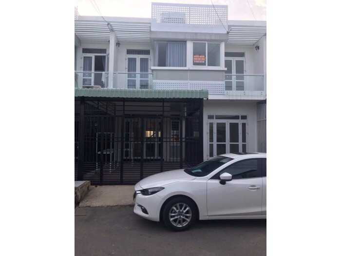 chính chủ cần ra căn nhà 1 trệt 1 lầu phường phú hoà