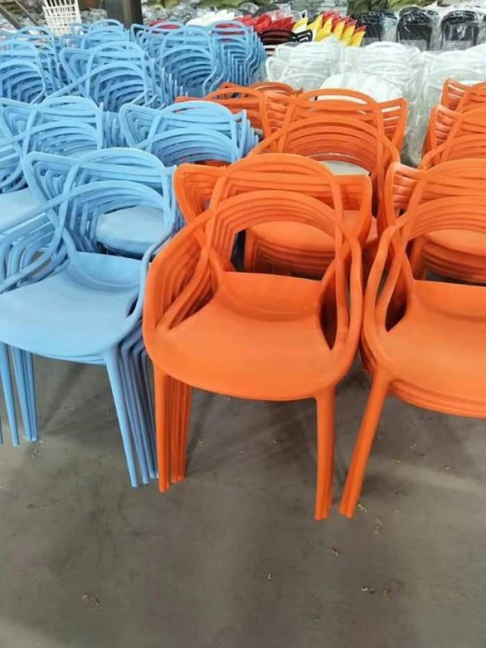 Xả kho thanh lý lô ghế nhựa đúc nhiều màu nhiều mẫu mã1