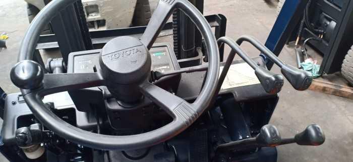 Xe nâng dầu Toyota TOYOTA A5FD15 Công ty xe nâng IDT Việt Nam2