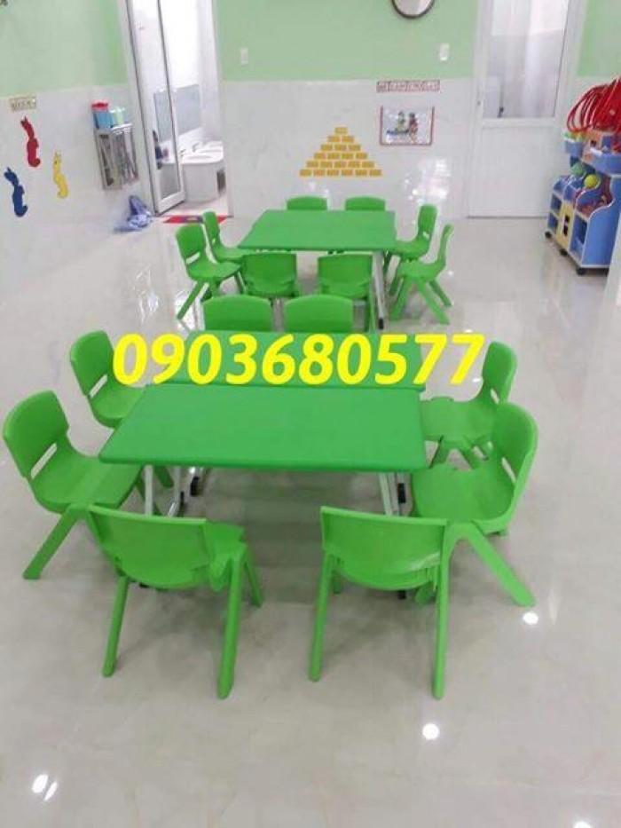 Cần bán bàn nhựa hình chữ nhật, gập chân được cho trẻ nhỏ4