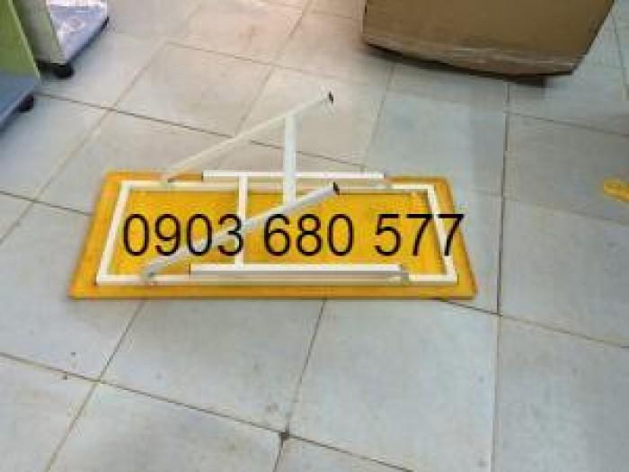 Cần bán bàn nhựa hình chữ nhật, gập chân được cho trẻ nhỏ1