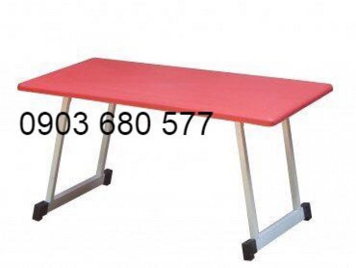Cần bán bàn nhựa hình chữ nhật, gập chân được cho trẻ nhỏ6