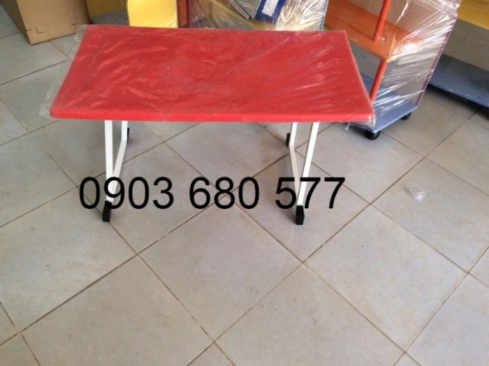 Cần bán bàn nhựa hình chữ nhật, gập chân được cho trẻ nhỏ8
