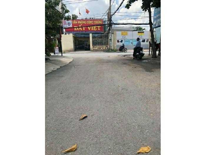 Cặp nhà lớn chợ Hóc Môn 2 mặt tiền