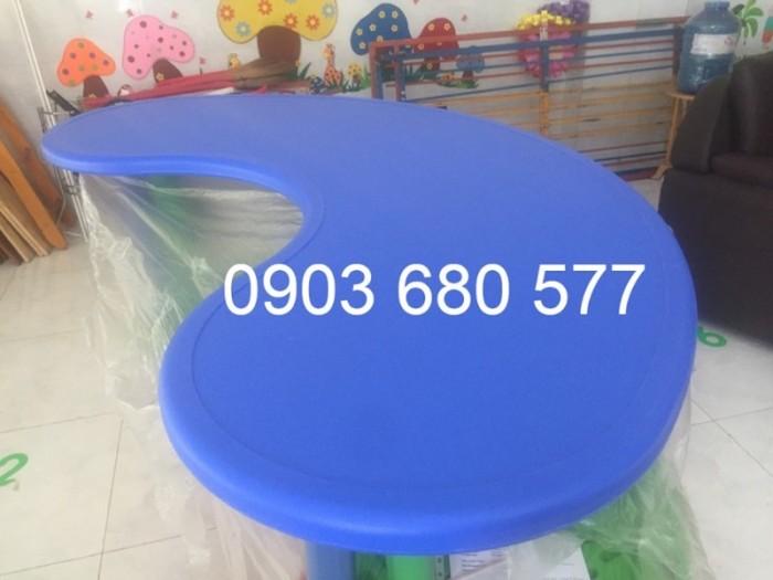 Cần bán bàn nhựa hình vòng cung mầm non giá rẻ, chất lượng nhất8