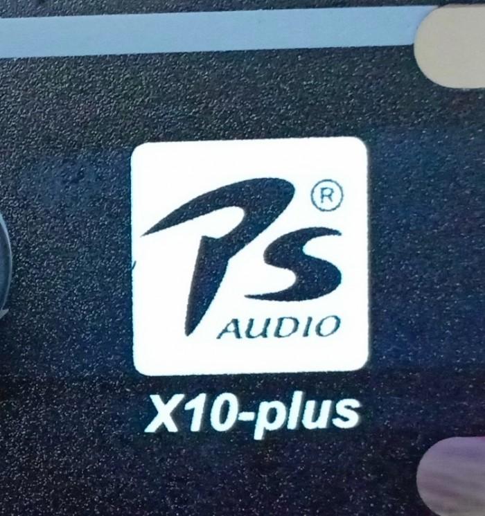 Mua Vang số karaoke PS X10 Plus Điện Máy Hải khuyến mãi 2 dây canon và 1 dây AV chuyên dùng cho vang số, giúp Quý khách mua là có xài ngay, không phải tốn tiền mua phụ kiện.4