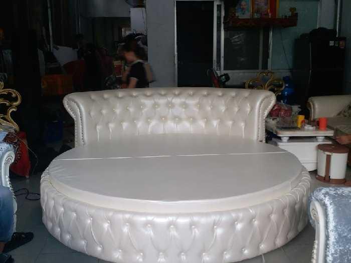 Giường tròn HCM1