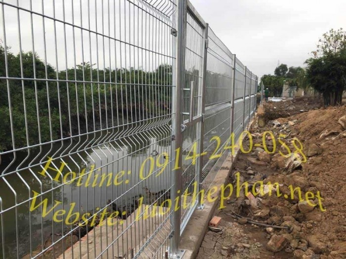 Hàng rào lưới thép hàn Toàn Tâm; Sản xuất trực tiếp không qua trung gian3