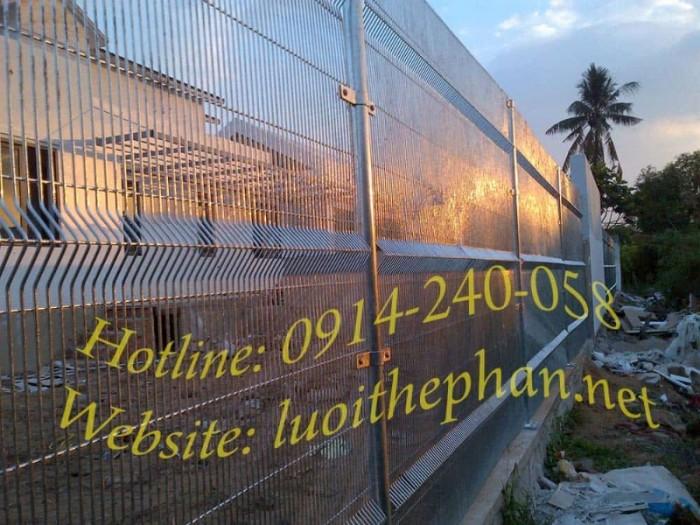 Hàng rào lưới thép hàn Toàn Tâm; Sản xuất trực tiếp không qua trung gian5