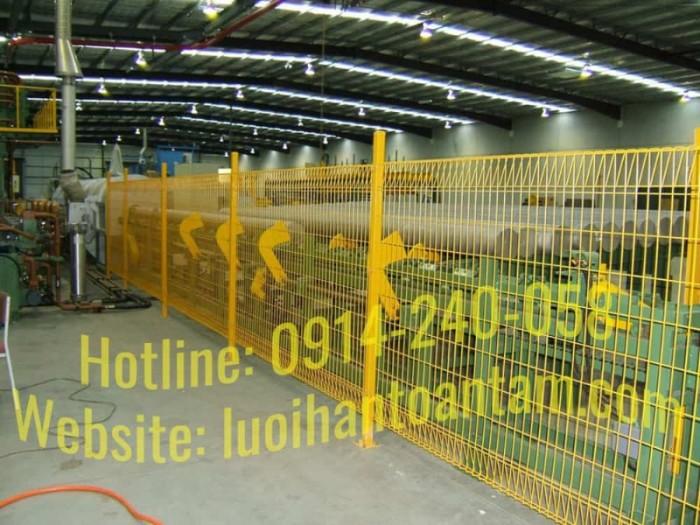 Hàng rào lưới thép hàn Toàn Tâm; Sản xuất trực tiếp không qua trung gian24