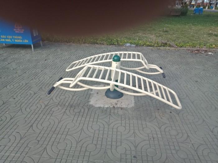 Máy tập thể dục công viên