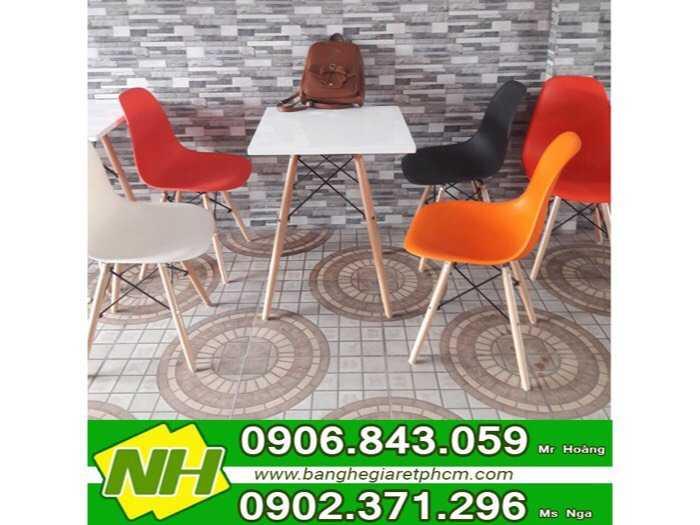 Ghế nhựa chân gỗ nội thất nguyễn hoàng1