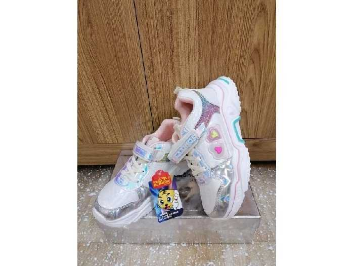 Giày trẻ em nhẹ, êm chân2
