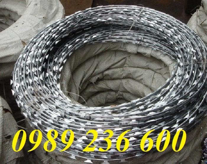 Dây thép gai hình dao vòng tròn cố định, dễ lắp đặt hàng có sẵn tại Hà Nội.
