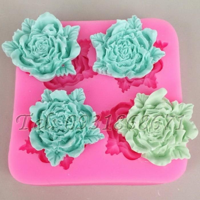 Khuôn rau câu silicon 4 hoa hồng kèm lá - Mã số 250