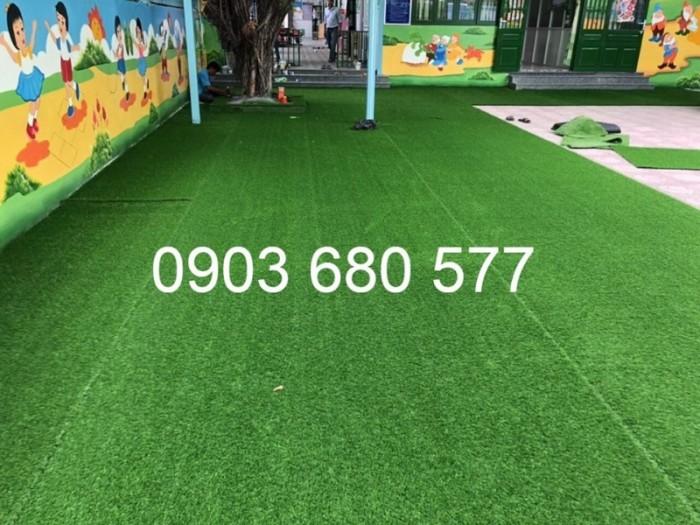 Chuyên bán cỏ nhân tạo cho trang trí trường mầm non, sân chơi, sân bóng, sân golf12