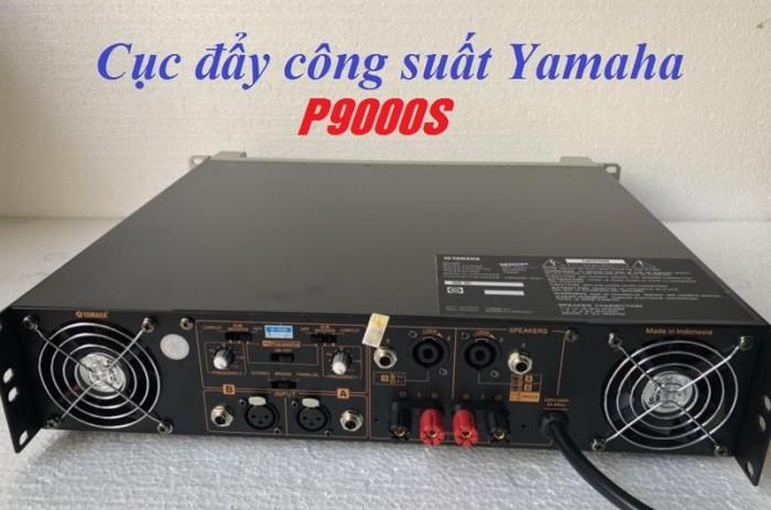 Cục Đẩy công suất Yamaha P9000S nhờ 2 quạt sau có thể hoạt động bền bỉ cả ngày không lo bị nóng2