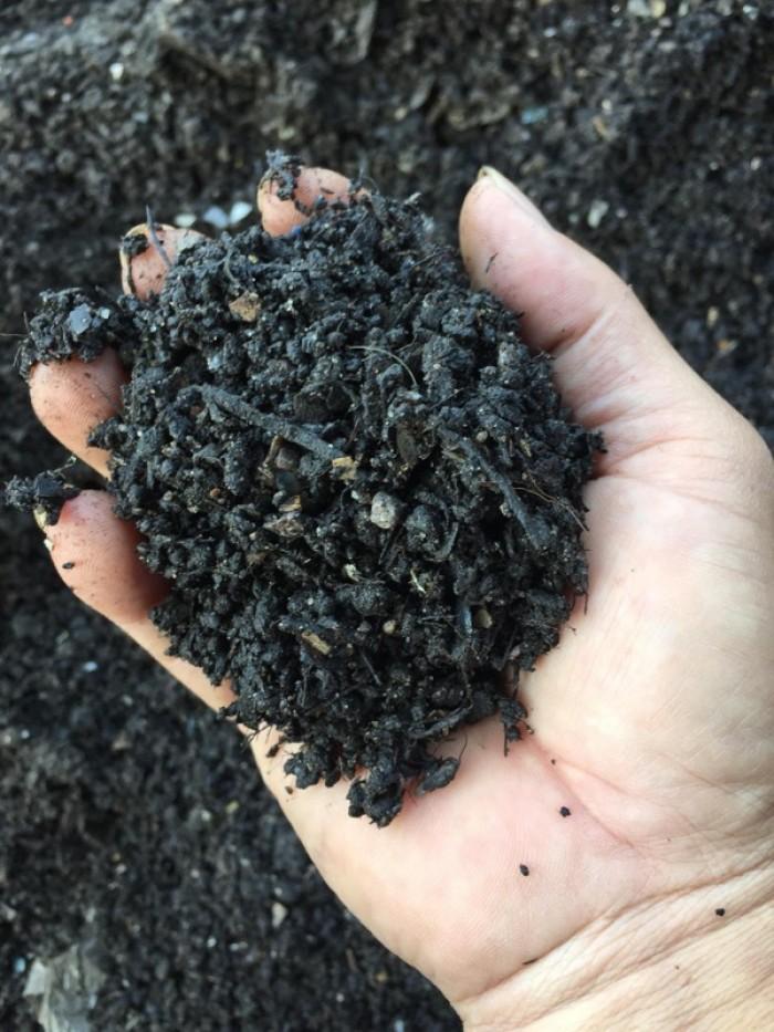 Phân bón hữu cơ từ rác thải sinh hoạt0
