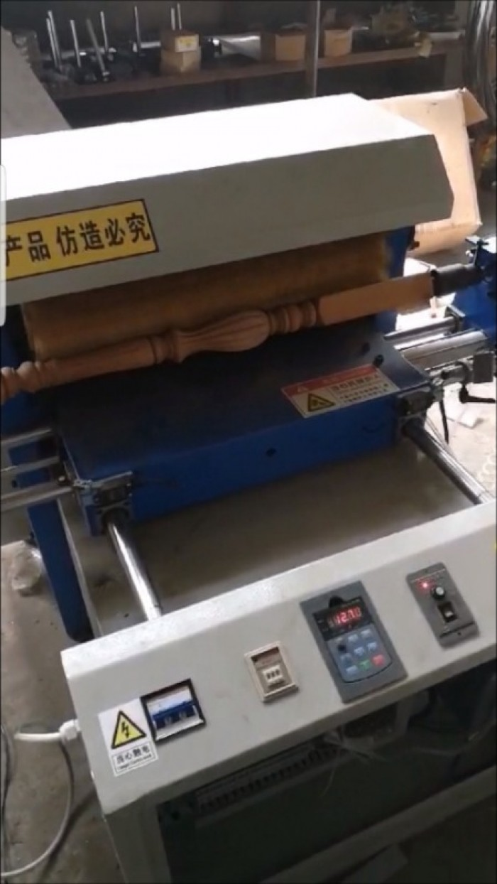 Máy chà nhám gỗ trụ cầu thang, song tiện, máy chà nhám chổi giá rẻ