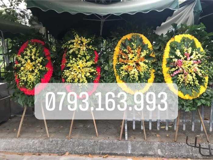 vòng hoa đám ma , đặt vòng hoa viếng3