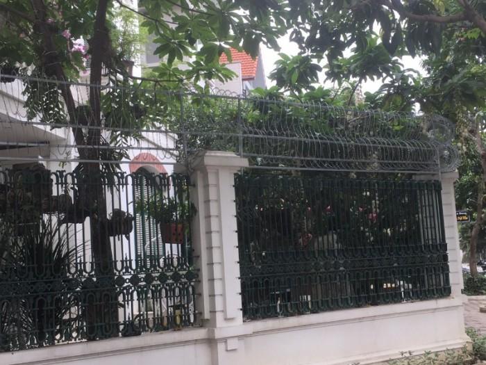 Hàng rào dây thép gai giá tốt nhất tại Hà Nội4