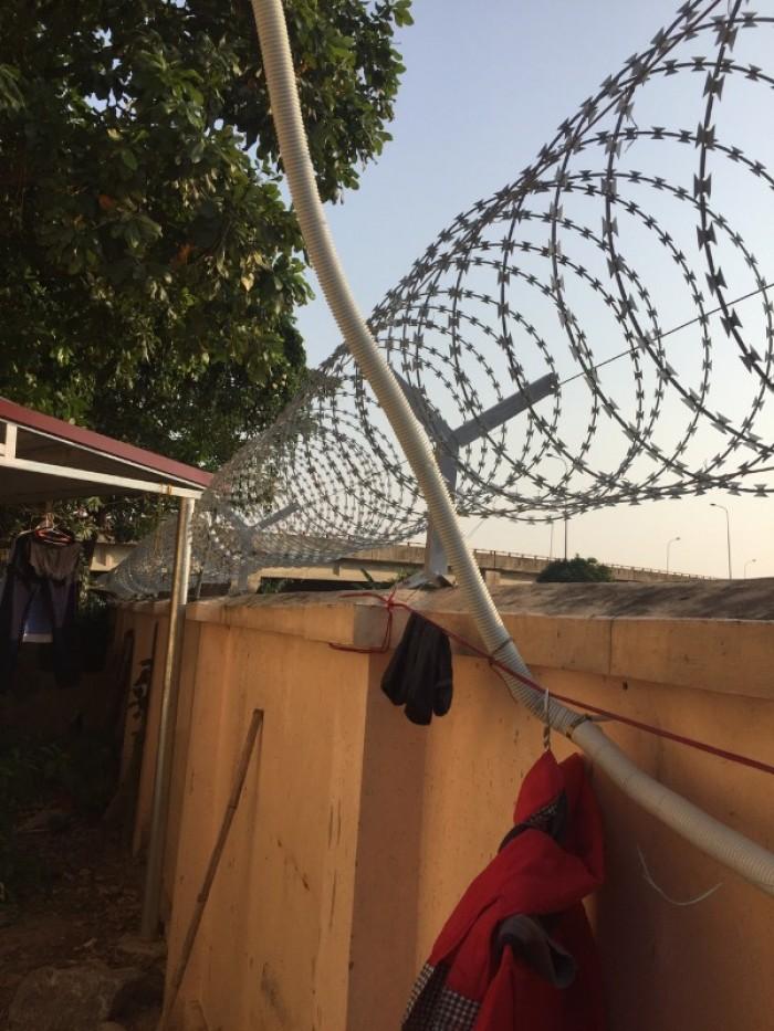 Hàng rào dây thép gai giá tốt nhất tại Hà Nội13
