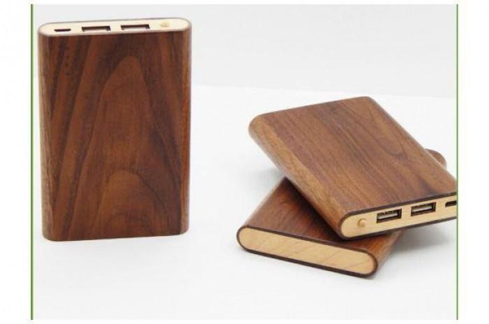 Sạc dự phòng bằng gỗ khắc logo doanh nghiệp0