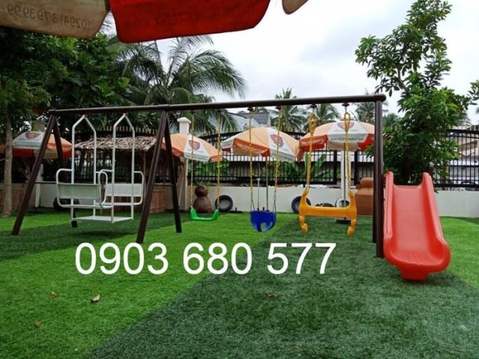Chuyên thi công cỏ nhân tạo cho trường học, công viên, sân chơi, sân bóng đá,...14