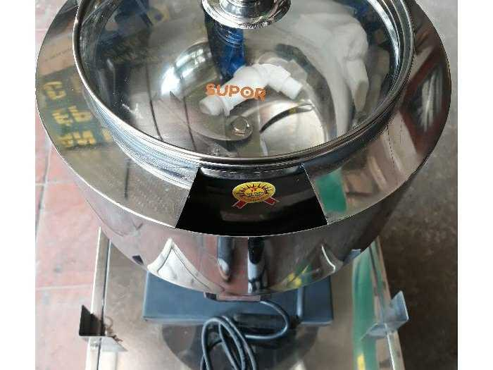 máy xay đa năng :xay thịt,giò chả,rau củ