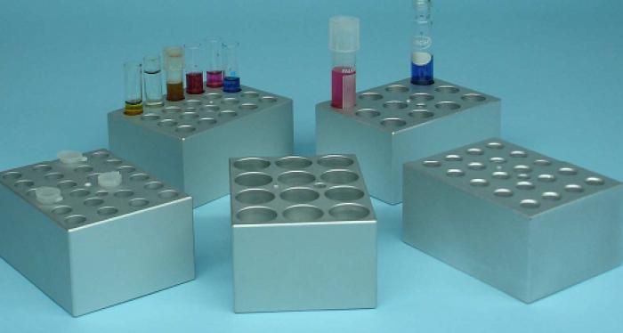Phụ kiện chọn lựa:  - Block đường kính 8mm, số lượng 35 vị trí  - Block đường kính 11mm, số lượng 20 vị trí  - Block đường kính 12mm, số lượng 20 vị trí  2