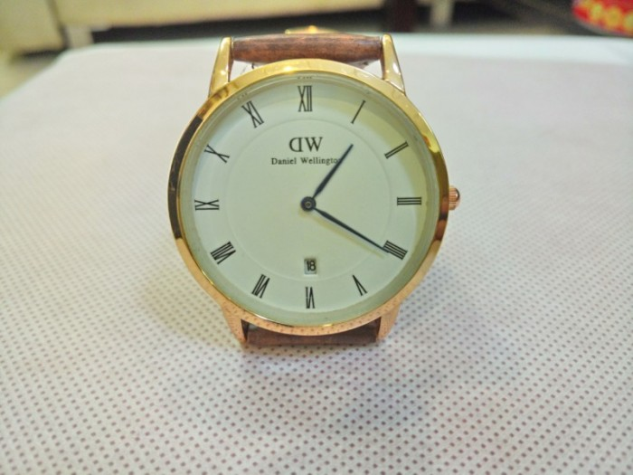 Đồng hồ quartz Nam dây da .4