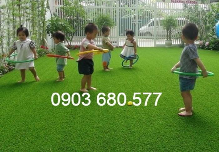 Chuyên nhận thi công cỏ nhân tạo trang trí cho trường mầm non, sân bóng, sân chơi0