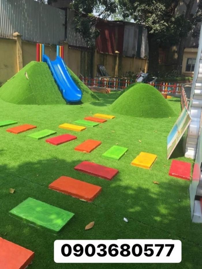 Chuyên nhận thi công cỏ nhân tạo trang trí cho trường mầm non, sân bóng, sân chơi23