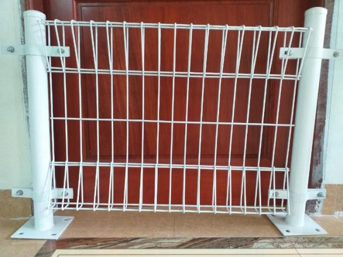 Hàng rào  D5 a 50x150, 50x200 mạ kẽm sơn tĩnh điện11