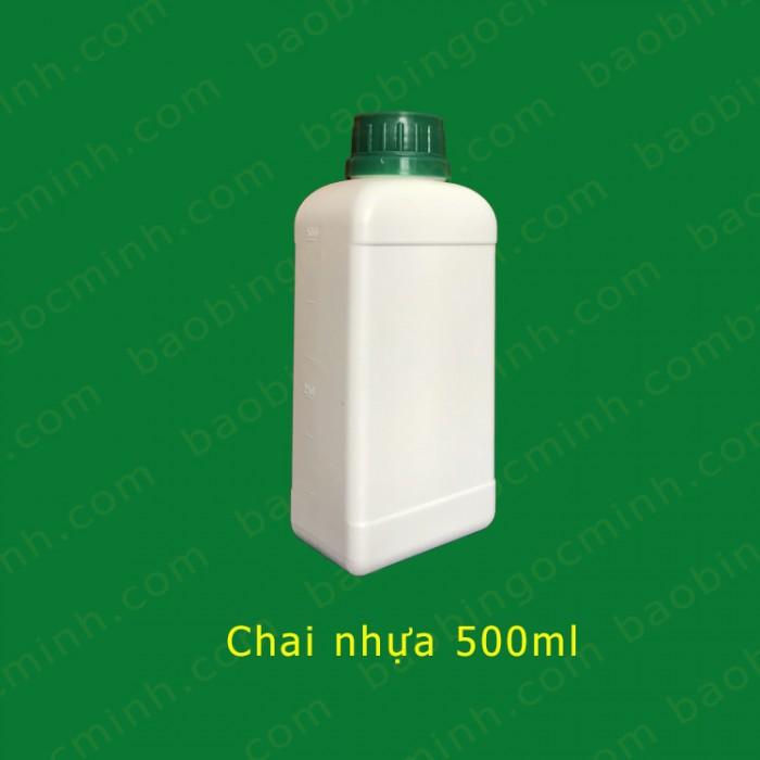 chai nhựa 500ml vuông10