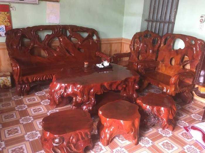 Hết tiền cần bán bộ bàn ghế và kệ tivi.!2