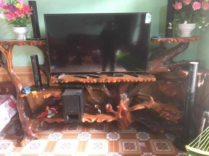 Hết tiền cần bán bộ bàn ghế và kệ tivi.!4