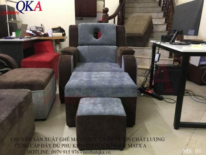 Sự kết hợp màu sắc tinh tế, làm chiếc ghế nổi bật ngay cả ở những không gian chật hẹp1