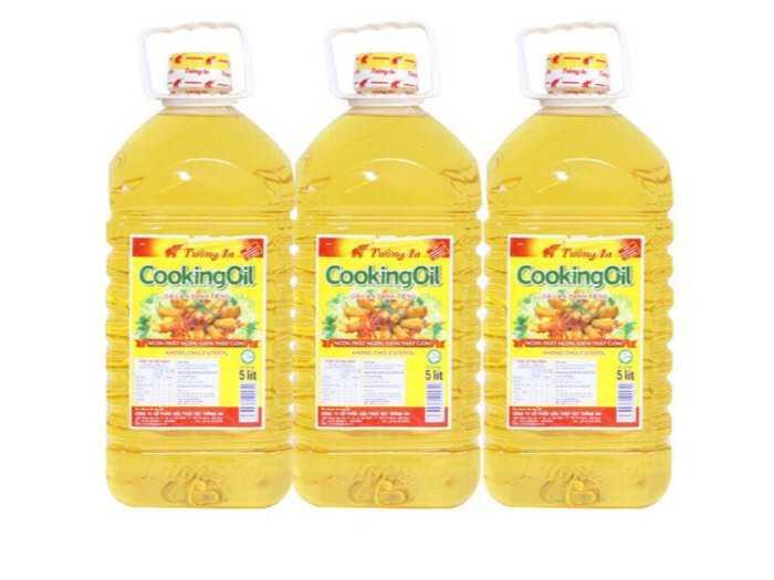 Dầu ăn Tường An cooking oil can 5 lít0