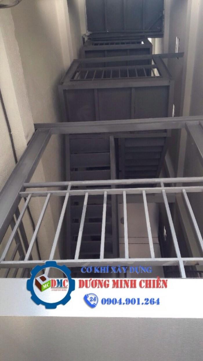 thang thoát hiểm nhà cao tầng24