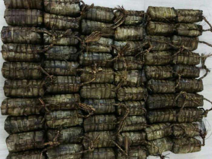 Bánh tét Trà Cuôn Trà Vinh -Suong's House Gói lá chuối tự nhiên, buộc  dây lạt không sử dụng dây nhựa nilon thân thiện với môi trường4