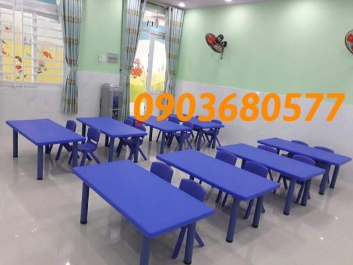 Nơi bán bàn nhựa hình chữ nhật cho trẻ em mầm non giá ƯU ĐÃI6