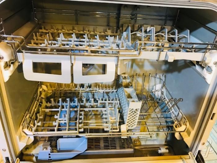 Máy rửa chén nhật PANASONIC NP-TR1 diệt khuẩn ,khử mùi 8