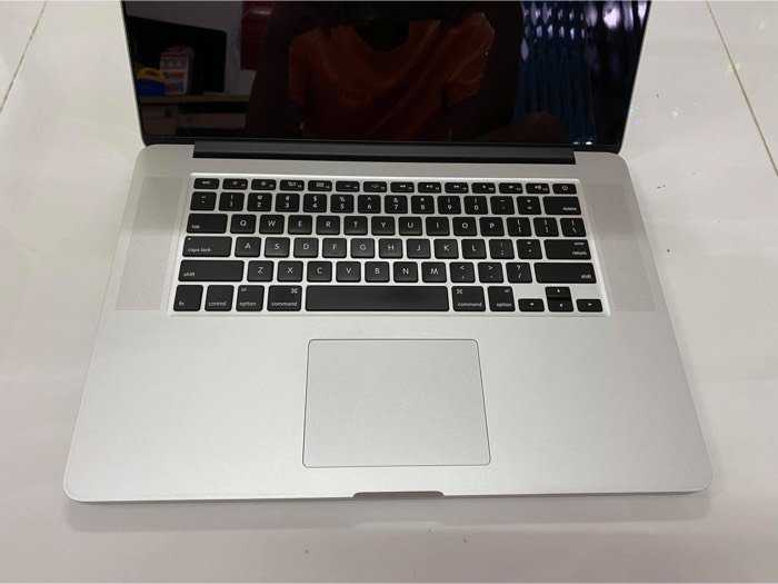 MacBook Pro 15 Retina i7 8gb 256gb đẹp nguyên zin0