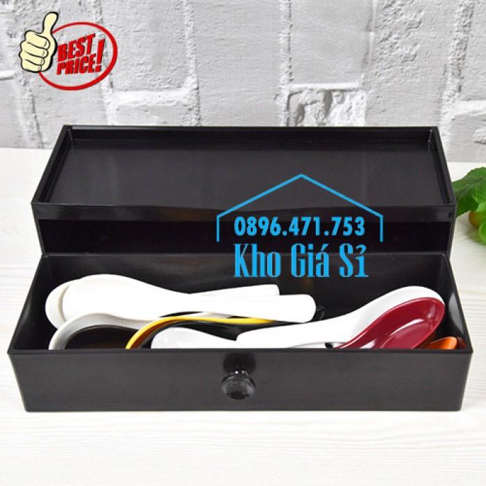 Hộp đựng đũa muỗng nhà hàng quán ăn - Hộp đựng đũa bằng nhựa màu đen, màu nâu cánh dán - HCM39