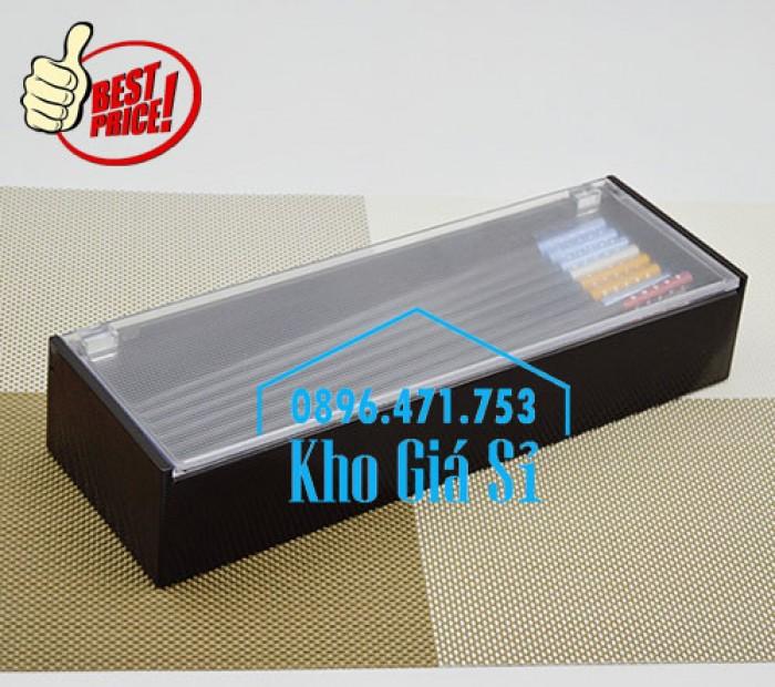 Hộp đựng đũa muỗng nhà hàng quán ăn - Hộp đựng đũa bằng nhựa màu đen, màu nâu cánh dán - HCM40