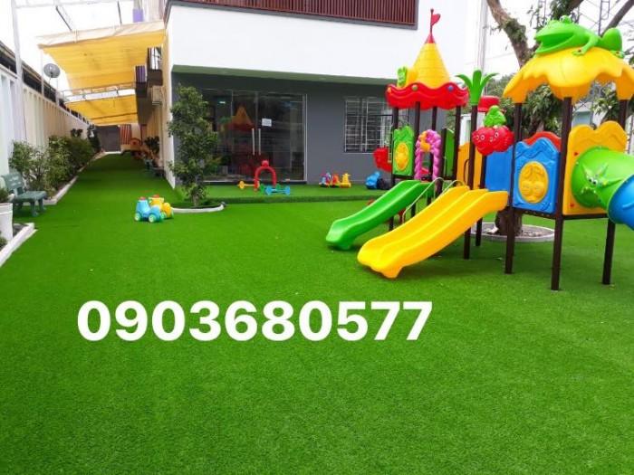 Cỏ nhân tạo an toàn trang trí sân chơi trẻ em, sân bóng đá, trường học mầm non4